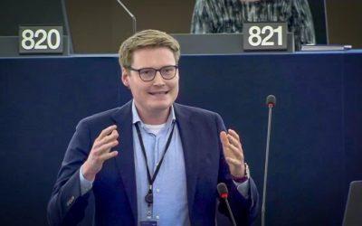 """Debatte zu """"LGBTI-freien Zone""""-Aufkleber im Europäischen Parlament"""